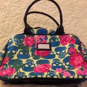 Betsey Johnson make up an accessory purse